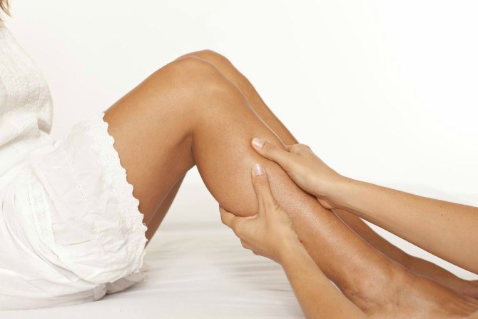 9 ways to soothe painful leg cramps post delivery