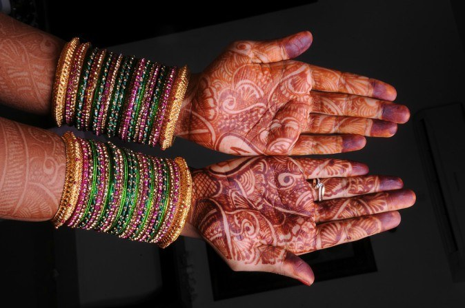 "mehandi 2918550 960 720 ""Tumhaari mummy kharaab hai""   This is when I finally stood up to my in laws"