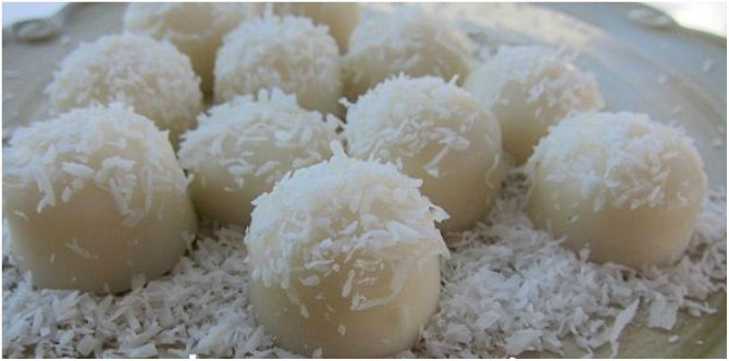 src=https://www.theindusparent.com/wp content/uploads/sites/9/2017/12/snowballs.jpg Expert recommends: Try out these fun, healthy Christmas recipes for your kids this holiday season!