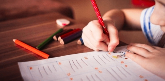 Early use of touchscreens affects your child's pencil grip