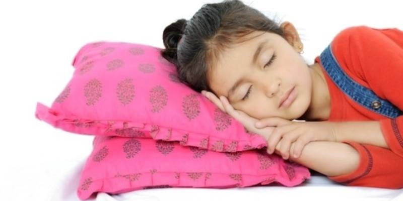 Girl, 7, Experiences Early Puberty After Sleeping With The Lights On