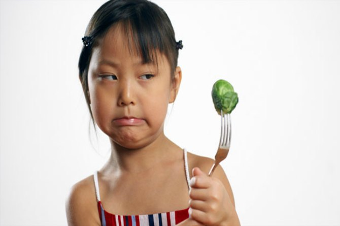 11 Ways To Make Your Child Eat More Vegetables