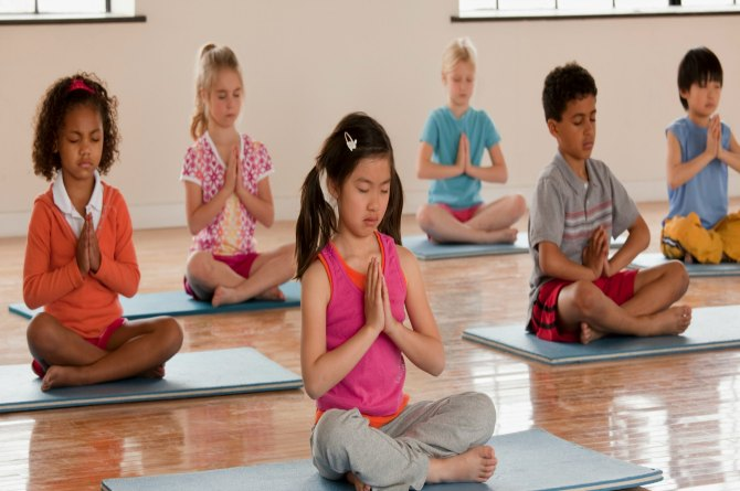 5 Yoga Asanas for the improvement of your kids growth!