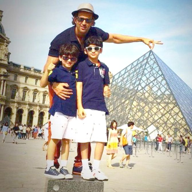 Hrithik Roshan with sons Hredaan and Hrehaan