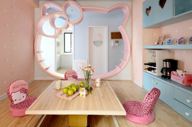 How about this Japanese-inspired dining area to pay homage to Hello Kitty's homeland?