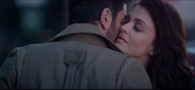 Her chemistry with Ranbir is super hot!