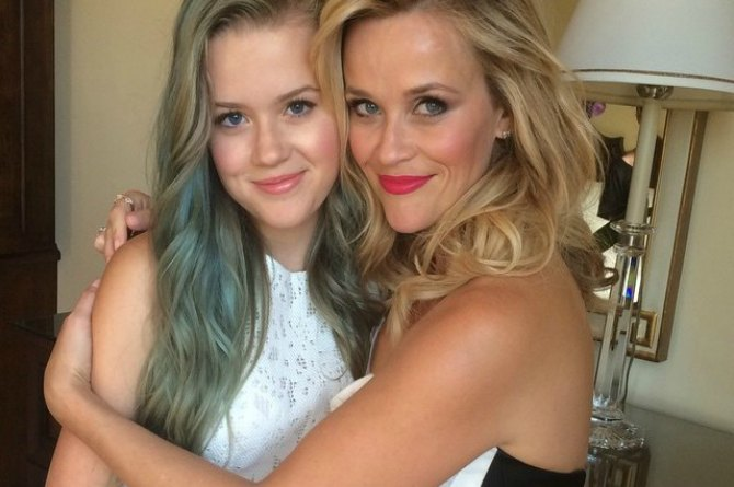 Reese Witherspoon and daughter Ava, 16
