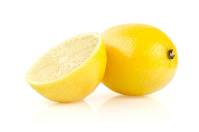 Half a lemon for clean stainless steel