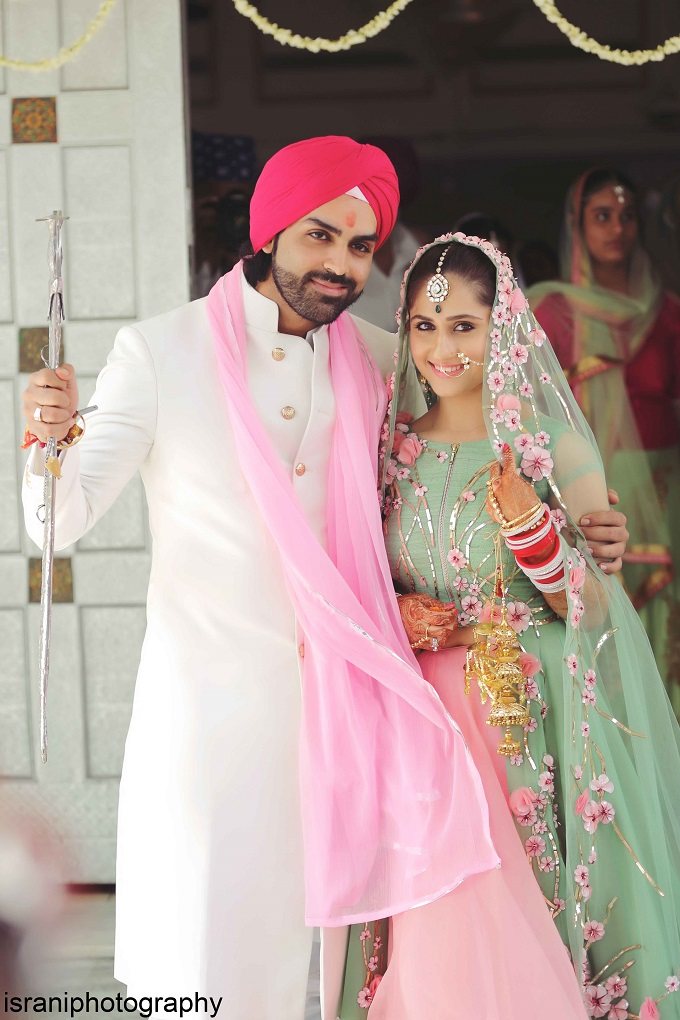 TV actress Hunar Hale's marriage pics give you a glimpse of a perfect Punjabi wedding!