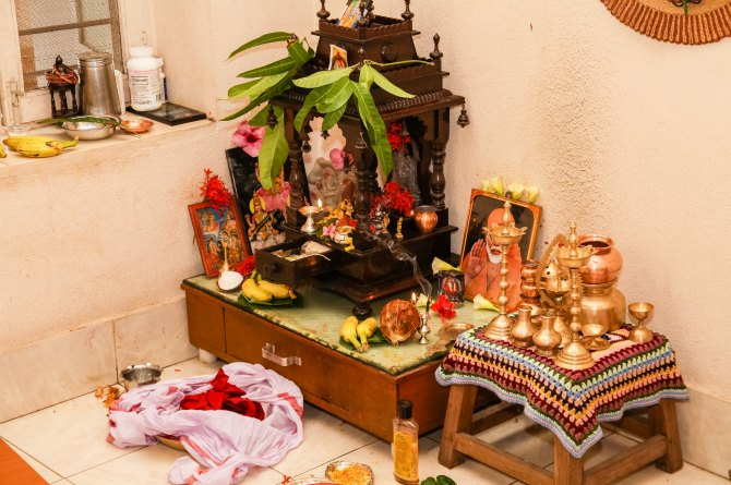 Decorate your puja room appropriately