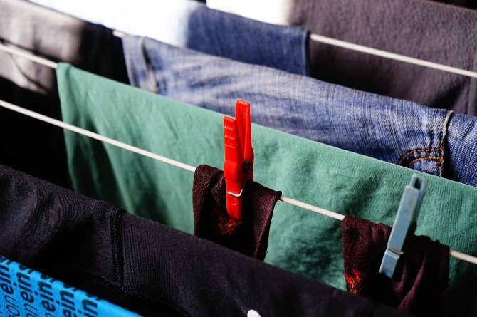 Drying wet laundry indoors